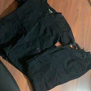 Black Wonder Flex Scrub Set S top and M bottoms!